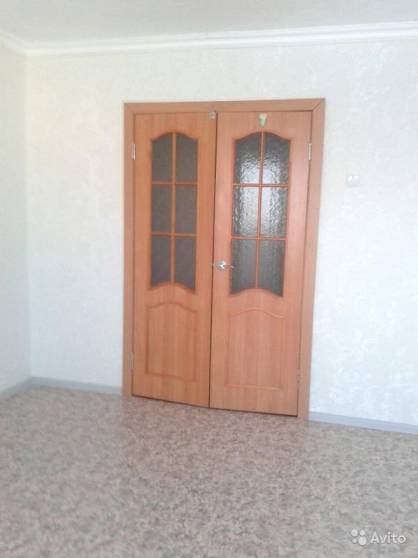 Продам двухкомнатную квартиру в центре Ленска